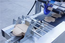 Подробности за машината за етикетиране на стикер за автоматично пейджинг